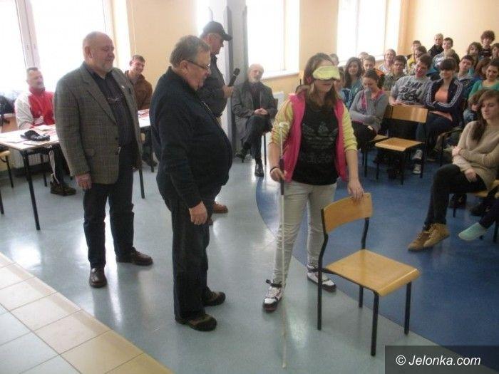 Region: Niepełnosprawni na warsztatach w Gimnazjum im. Ratowników Górskich