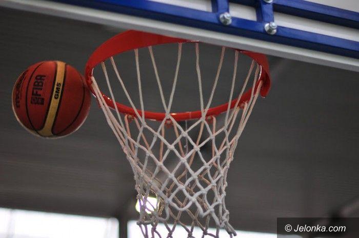 Jelenia Góra: Młode koszykarki Karkonoszy zagrały z Mniszkiem