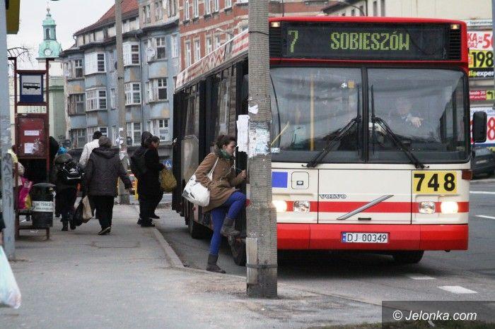 Jelenia Góra: Bezrobotni  chcą darmowych przejazdów MZK