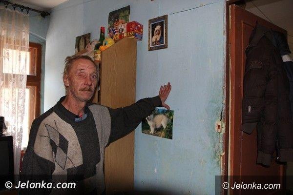 Jelenia Góra: Jeleniogórzanin dług za czynsz odrabia, ale nadal jest pat ze ściankami działowymi