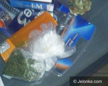 Jelenia Góra: Wpadli z narkotykami w Walentynki. Mieli blisko pięć tysięcy porcji