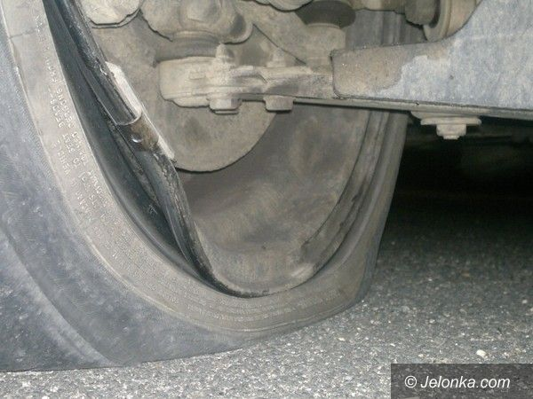 Jelenia Góra: Odpowiedź ubezpieczyciela MZDiM–u na brak odszkodowania za uszkodzone koło