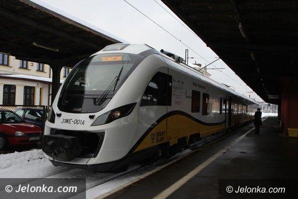 Jelenia Góra: Ferrari wśród pociągów zajechało na stację PKP w Jeleniej Górze