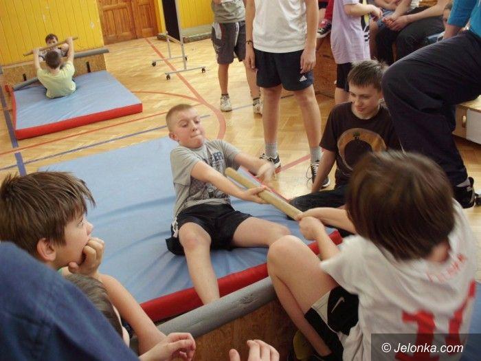 Jelenia Góra: MasWrestling w Szkole Podstawowej nr 8