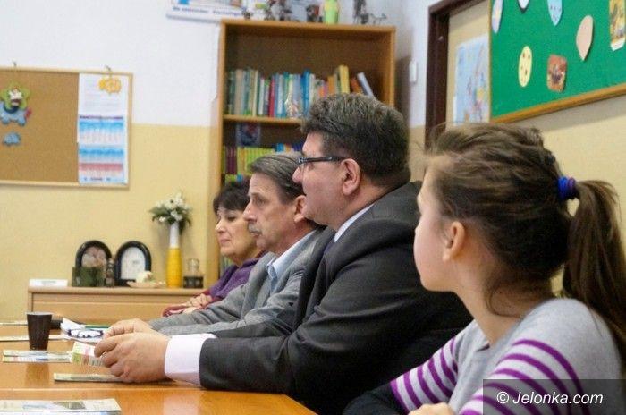 """Jelenia Góra: W drodze do Sejmu o """"Segregacji odpadów w szkole i gminie"""""""
