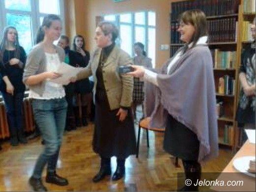Jelenia Góra: Było dyktando – gimnazjalistom ortografia nie straszna