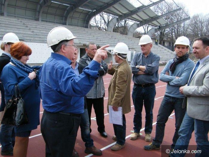 Jelenia Góra: Radni dwóch komisji odwiedzili teren budowy stadionu