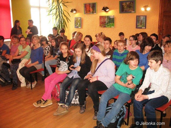 """Jelenia Góra: Alkoholowi powiedzieli """"nie""""… w Młodzieżowym Domu Kultury"""