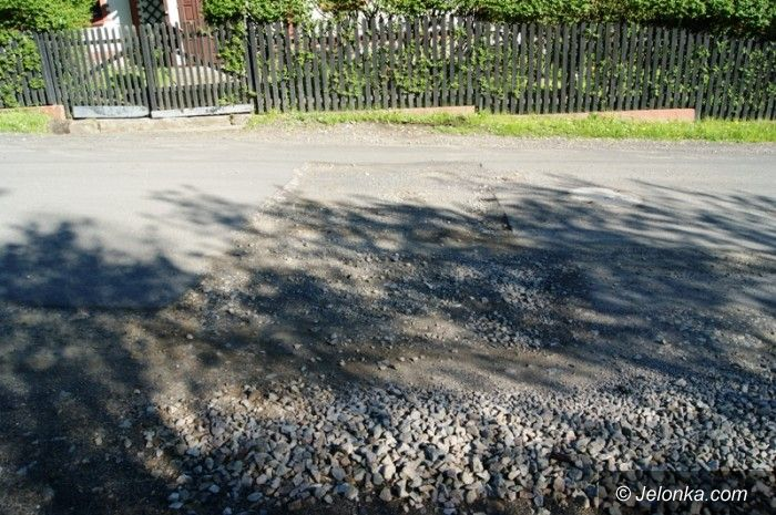 Kopaniec: Mieszkańcy Kopańca z dziurawą drogą