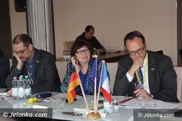 Region: Pod Szrenicą debata o oświacie w Europie