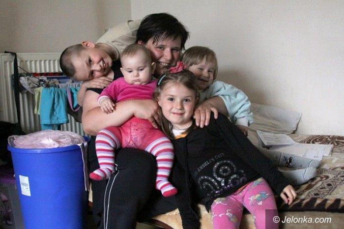 Jelenia Góra: Samotna matka czwórki dzieci potrzebuje pomocy