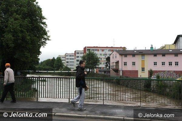 Jelenia Góra - region: Wody w rzekach opadają, ale idą burze