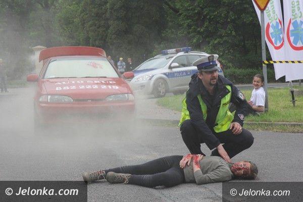 Jelenia Góra: Wybuch samochodu w Cieplicach – pokaz ratownictwa