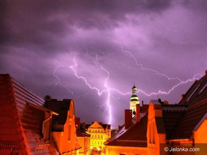 Jelenia Góra: Tak dzisiaj burza oświetlała Jelenią Górę AKTUALIZACJA