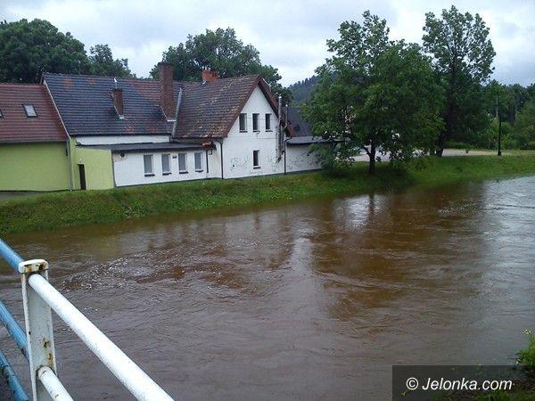 Jelenia Góra - region: Wody jeszcze wysokie, ale już opadają. Zagrożenie mija