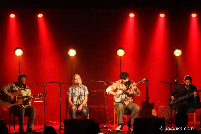 """Jelenia Góra: Alternatywno–akustyczne Kroki w """"Muflonie"""""""