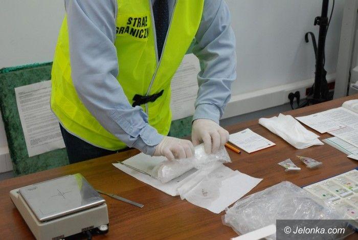 Jelenia Góra: Wpadł z narkotykami – miał blisko 5 tys. porcji