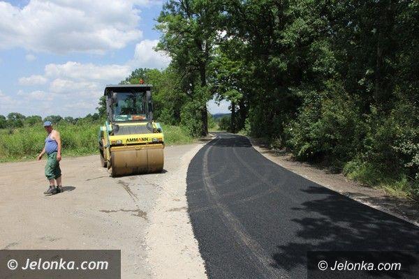 Powiat: Trwają remonty dróg  w powiecie – utrudnienia w ruchu