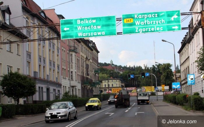 Jelenia Góra: Czytelnik: Na Karpacz dalej przez Wojska Polskiego