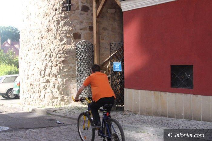 Jelenia Góra: Wieża zamkowa otwarta w kratkę?