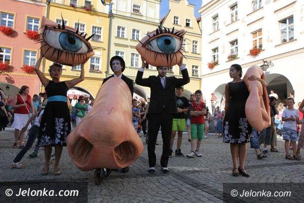 Jelenia Góra: Najazd artystów ulicy na Plac Ratuszowy