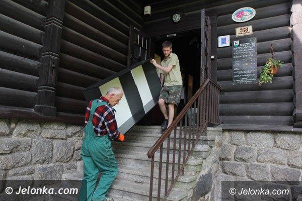 Jelenia Góra: Trwa przeprowadzka  Muzeum Przyrodniczego