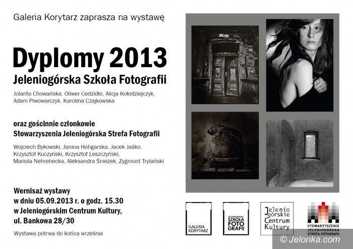 Jelenia Góra: Dyplomy z fotografii i nie tylko w Galerii Korytarz