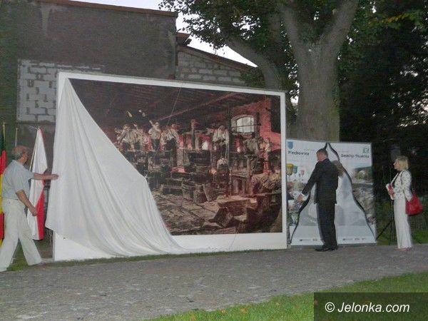 Region: Szklany park otwarto w Piechowicach