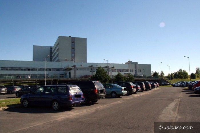 Jelenia Góra: Brakuje parkingu dla pacjentów i ich rodzin
