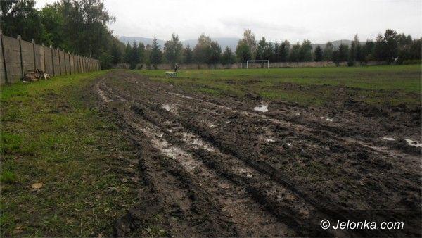 Region: Po święcie Kowar – niedosyt i zniszczony stadion. Przez deszcz