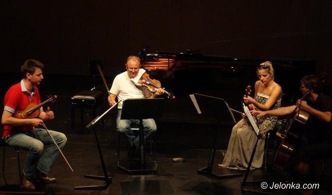 """Region: Koncert """"Jesienne marzenia"""" w Pałacu Pakoszów"""