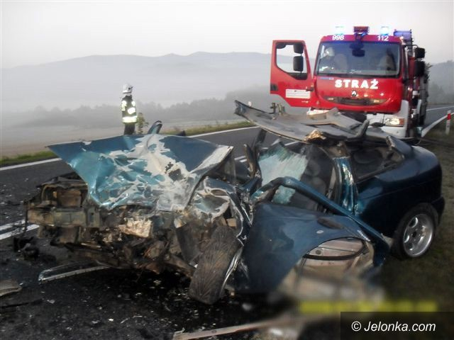 Jelenia Góra: Wypadek w Piechowicach. Trzy osoby w szpitalu