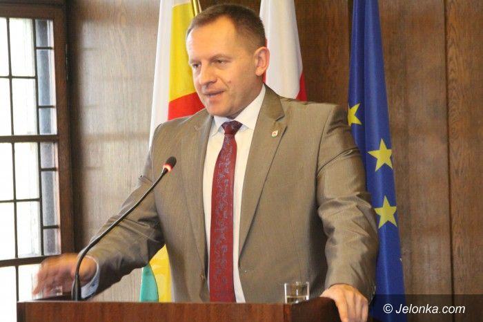 Jelenia Góra: Hubert Papaj szefem PO – pokonał Marcina Zawiłę