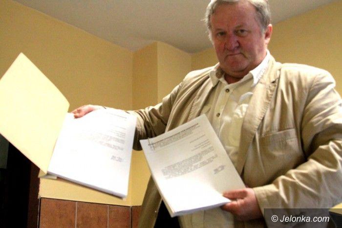 Jelenia Góra: Bezrobotni zebrali podpisy, żądają obniżki cen śmieci