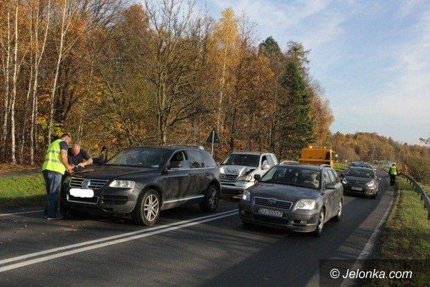 Jelenia Góra: Zderzenie trzech samochodów na Sudeckiej