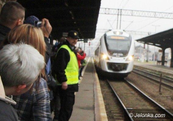 """Region: """"Niczyje"""" wiadukty zatrzymały pociągi pod Szrenicę"""