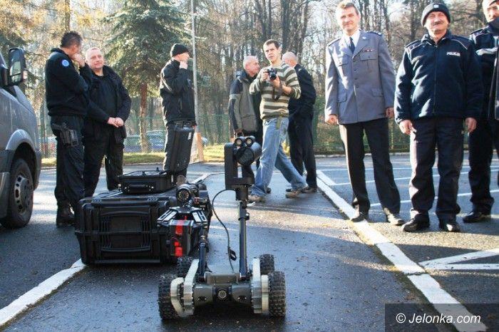 Jelenia Góra: Komisariat na kołach i robot saper dla policji
