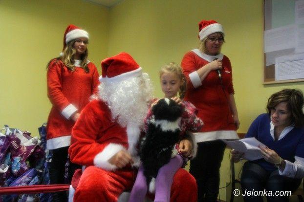 Jelenia Góra: Mikołaje z Niemiec przybyli z podarkami