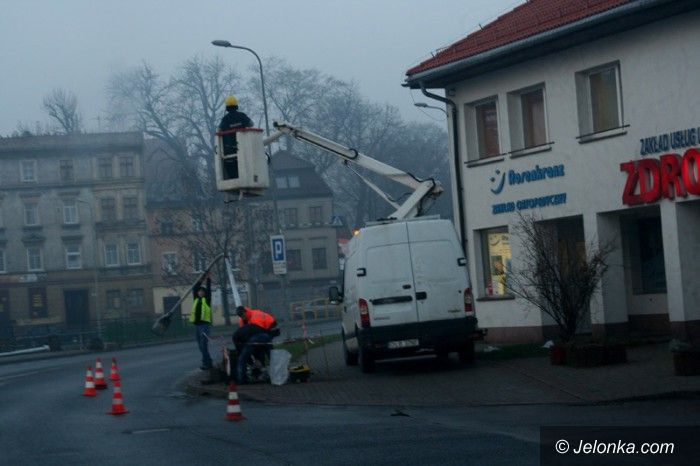 Jelenia Góra: Tauron wymienia latarnie uliczne