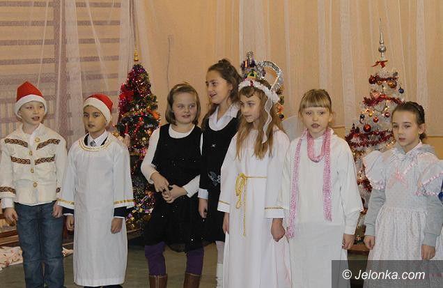 Jelenia Góra: Szkolne jasełka w wykonaniu rodziców dzieci z SP7