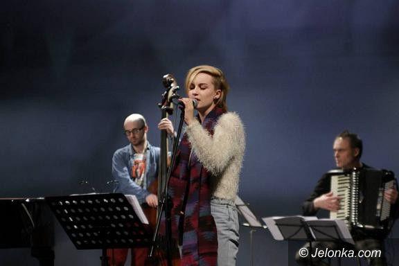 """Jelenia Góra: Udany koncert """"Gwiazdko – Łasko nie gaśnij"""" w Teatrze Zdrojowym"""