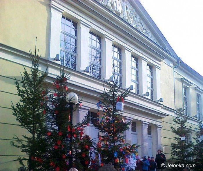 Jelenia Góra: Cieplice świątecznie ozdobione przez dzieci i młodzież