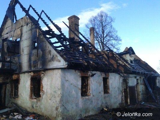 Stara Kamienica: Spłonął dom w Nowej Kamienicy. Strażacy uratowali zwierzęta