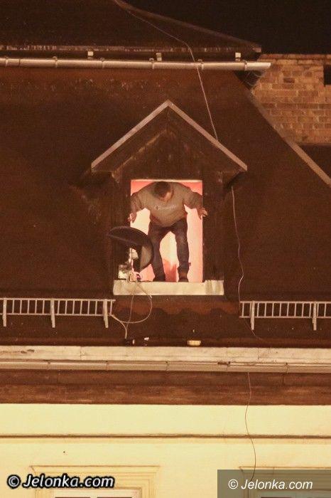 Jelenia Góra: Desperat na Placu Piastowskim. Groził, że się zabije