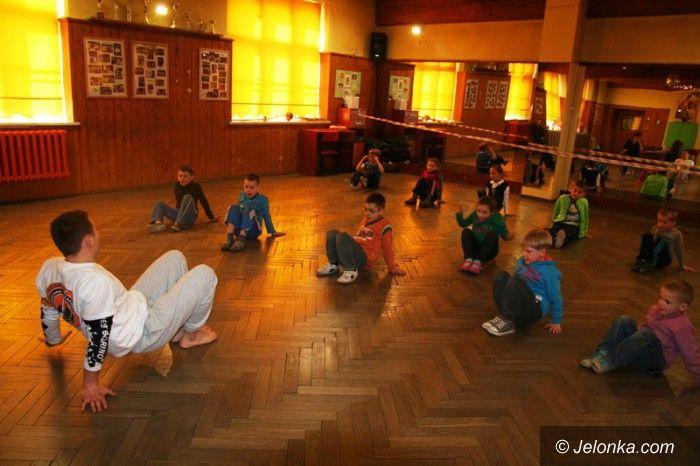 Jelenia Góra: Trening i zabawa na magicznych zajęciach w MDK