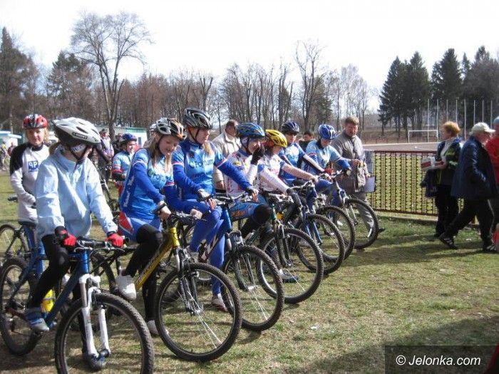Jelenia Góra: Kolarze na start