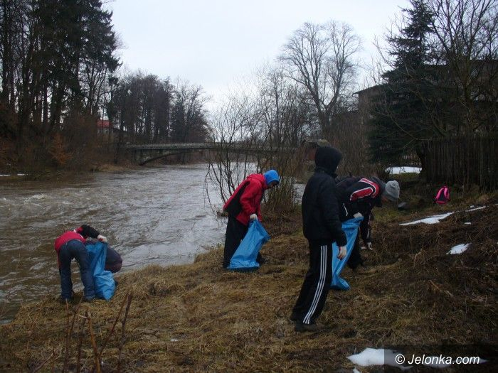 Janowice Wielkie: Pomóżmy ratować Bóbr przed zalewem śmieci
