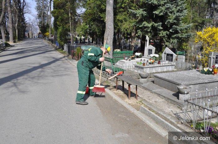 Jelenia Góra: Zmiany na jeleniogórskich cmentarzach