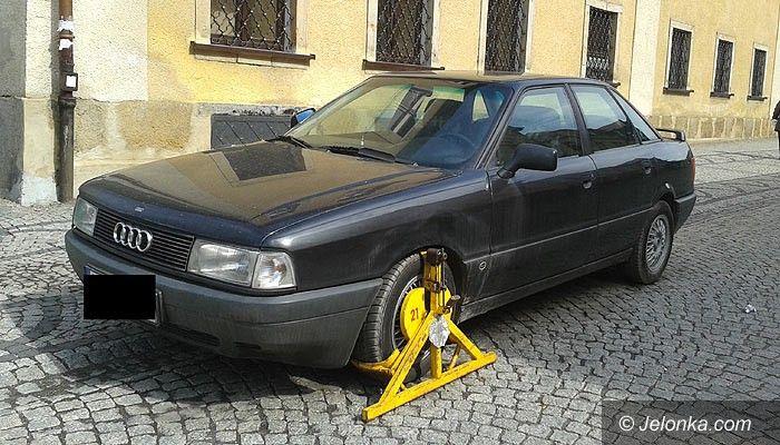 "Jelenia Góra: Auto na ""Majówce"" postoi nawet miesiąc (wracamy do tematu)"