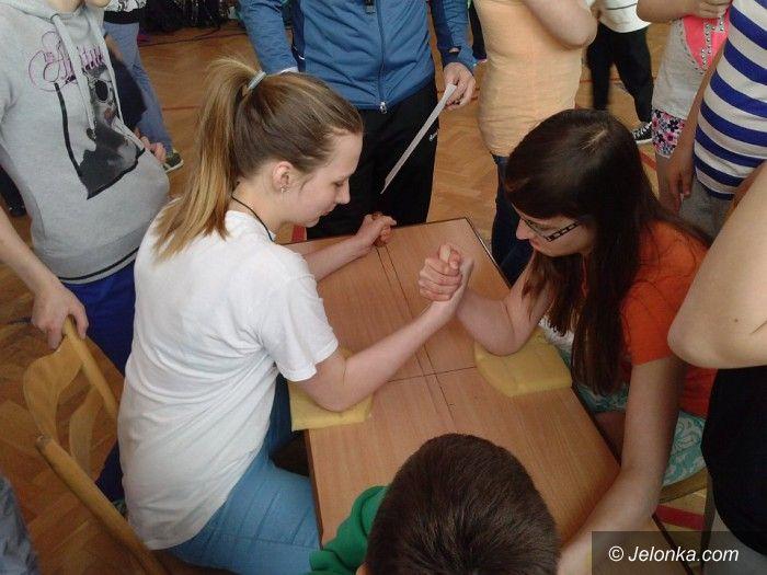 Jelenia Góra: Powalczyli o tytuł najlepszych armwrestlerów
